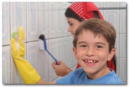 kids-cleaning-bathroom